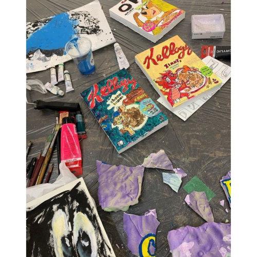 KINJO's studio and artworks