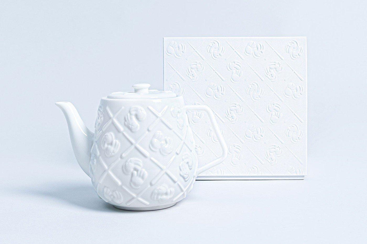 Kaws 陶瓷茶壺