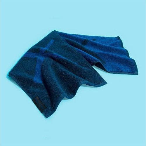 KAWS|Holiday Towel