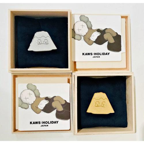 KAWS|Holiday Japan Mount Fuji Golden and Silver Pin