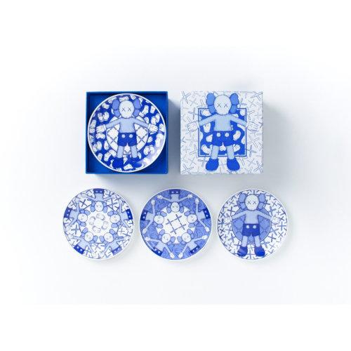 KAWS|Holiday Taiwan Limited Ceramic Plate Set